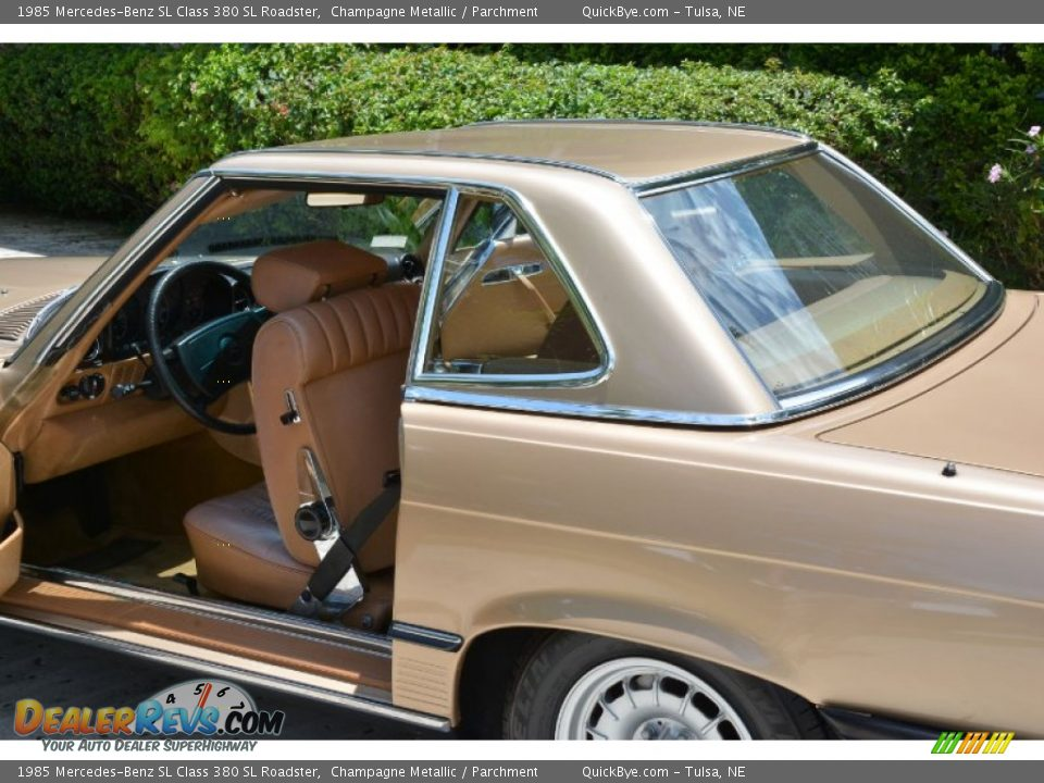 1985 Mercedes-Benz SL Class 380 SL Roadster Champagne Metallic / Parchment Photo #12