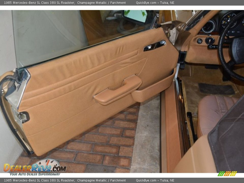1985 Mercedes-Benz SL Class 380 SL Roadster Champagne Metallic / Parchment Photo #13