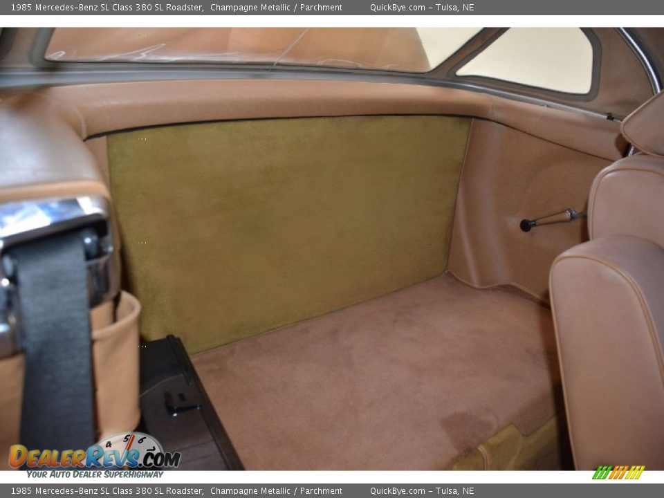 1985 Mercedes-Benz SL Class 380 SL Roadster Champagne Metallic / Parchment Photo #24