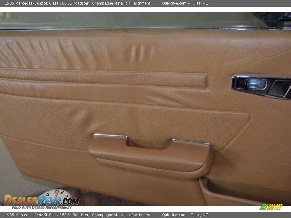 1985 Mercedes-Benz SL Class 380 SL Roadster Champagne Metallic / Parchment Photo #27