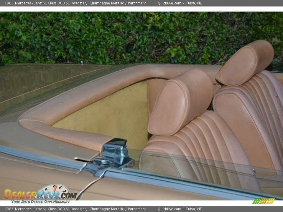 1985 Mercedes-Benz SL Class 380 SL Roadster Champagne Metallic / Parchment Photo #29