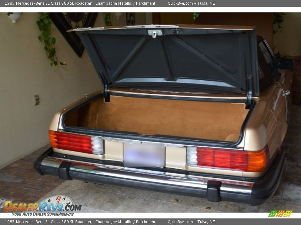 1985 Mercedes-Benz SL Class 380 SL Roadster Champagne Metallic / Parchment Photo #33