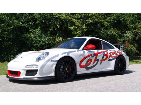 Carrara White/Guards Red Porsche 911 GT3 RS.  Click to enlarge.