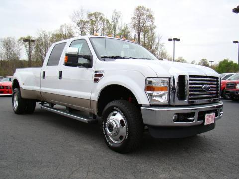 Oxford White Ford F350 Super Duty Lariat Crew Cab 4x4 Dually.  Click to enlarge.