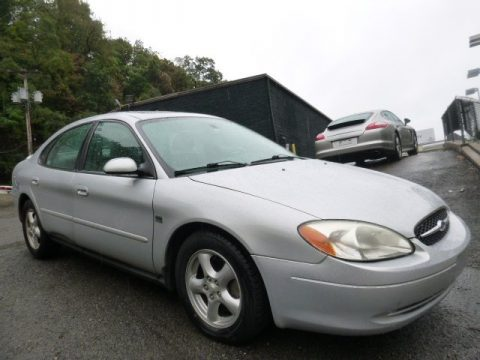 Ford Taurus SES
