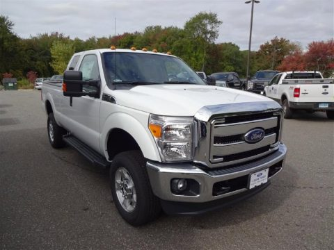 Oxford White Ford F350 Super Duty XLT Super Cab 4x4.  Click to enlarge.
