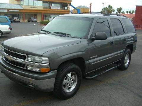 Medium Charcoal Gray Metallic 2000 Chevrolet Tahoe LS 4x4 with Graphite