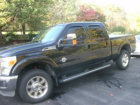 Tuxedo Black Ford F350 Super Duty Lariat Crew Cab 4x4.  Click to enlarge.