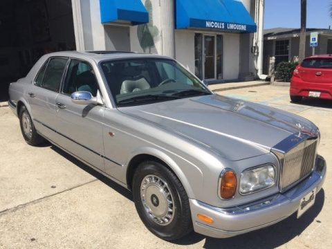 Silver Rolls-Royce Silver Seraph .  Click to enlarge.