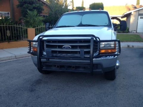 Oxford White Ford F350 Super Duty XLT Crew Cab Dually.  Click to enlarge.