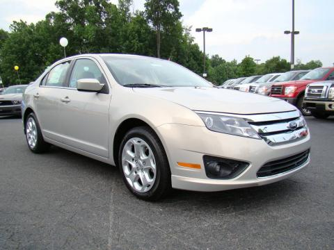 Smokestone Metallic Ford Fusion SE.  Click to enlarge.