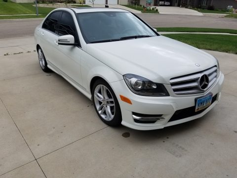 Diamond White Metallic Mercedes-Benz C 300 Luxury 4Matic.  Click to enlarge.