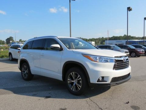 Blizzard Pearl Toyota Highlander XLE.  Click to enlarge.