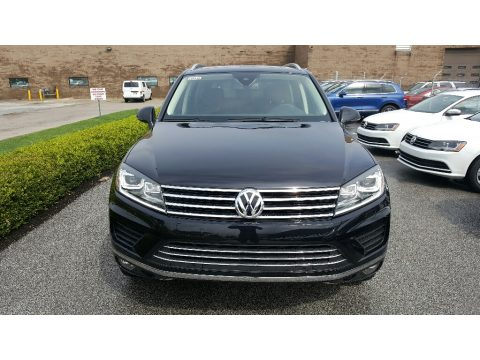Deep Black Pearl Volkswagen Touareg TDI Lux.  Click to enlarge.