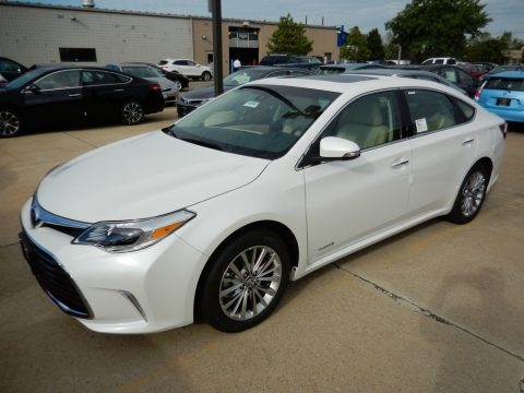 Blizzard Pearl Toyota Avalon Hybrid Limited.  Click to enlarge.