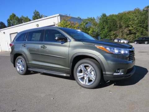Alumina Jade Metallic Toyota Highlander Limited Platinum.  Click to enlarge.