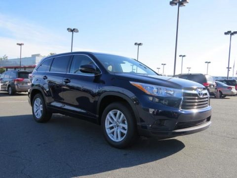 Nautical Blue Metallic Toyota Highlander LE.  Click to enlarge.