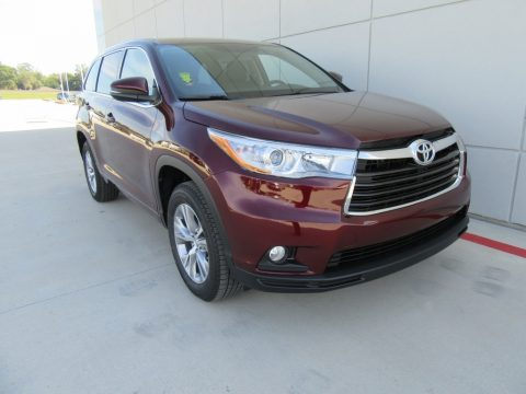 Ooh La La Rouge Mica Toyota Highlander LE Plus.  Click to enlarge.