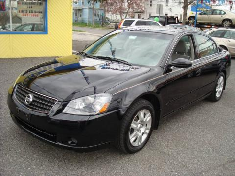 Super Black Nissan Altima 2.5 S Special Edition. Click To Enlarge.