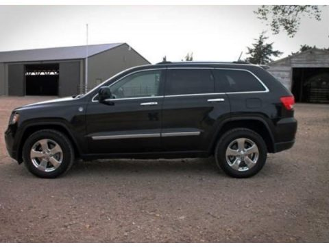 Brilliant Black Crystal Pearl Jeep Grand Cherokee Laredo 4x4.  Click to enlarge.
