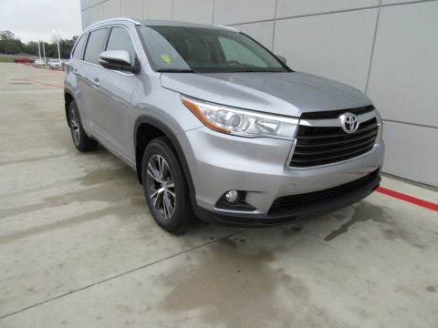 Silver Sky Metallic Toyota Highlander XLE.  Click to enlarge.