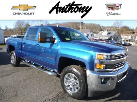 Deep Ocean Blue Metallic Chevrolet Silverado 2500HD LT Crew Cab 4x4.  Click to enlarge.