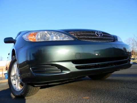Aspen Green Pearl Toyota Camry SE.  Click to enlarge.