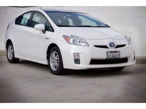 Blizzard White Pearl Toyota Prius Hybrid II.  Click to enlarge.