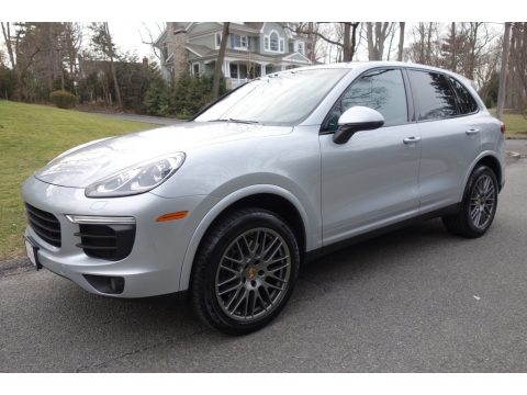 Rhodium Silver Metallic Porsche Cayenne Platinum Edition.  Click to enlarge.