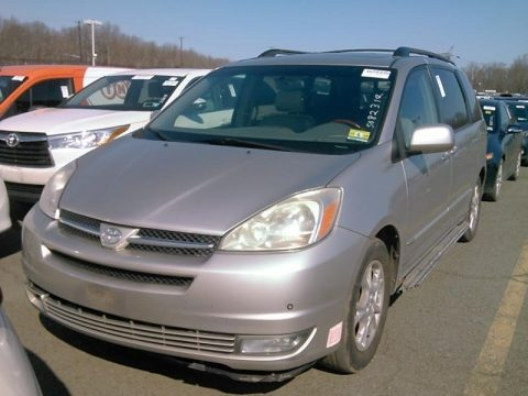 Silver Shadow Pearl Toyota Sienna XLE.  Click to enlarge.