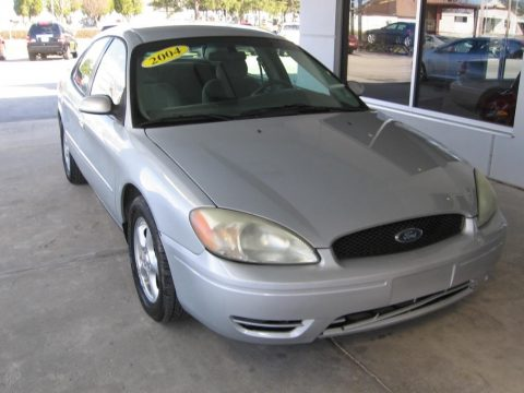 Silver Frost Metallic Ford Taurus SE Sedan.  Click to enlarge.