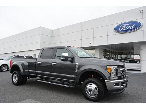 Magnetic Ford F350 Super Duty XLT Crew Cab 4x4.  Click to enlarge.