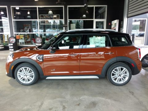 Chestnut Mini Countryman Cooper S ALL4.  Click to enlarge.