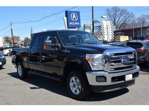 Tuxedo Black Metallic Ford F250 Super Duty XLT Crew Cab 4x4.  Click to enlarge.