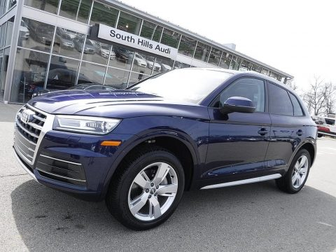 Navarra Blue Metallic Audi Q5 2.0 TFSI Premium quattro.  Click to enlarge.