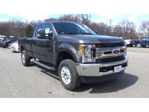 Magnetic Ford F250 Super Duty XLT SuperCab 4x4.  Click to enlarge.