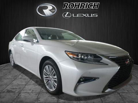 Eminent White Pearl Lexus ES 350.  Click to enlarge.