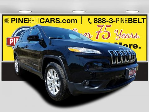 Diamond Black Crystal Pearl Jeep Cherokee Latitude 4x4.  Click to enlarge.