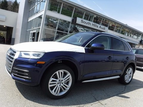 Navarra Blue Metallic Audi Q5 2.0 TFSI Premium Plus quattro.  Click to enlarge.