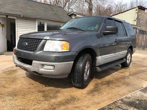 Dark Shadow Grey Metallic Ford Expedition XLT 4x4.  Click to enlarge.