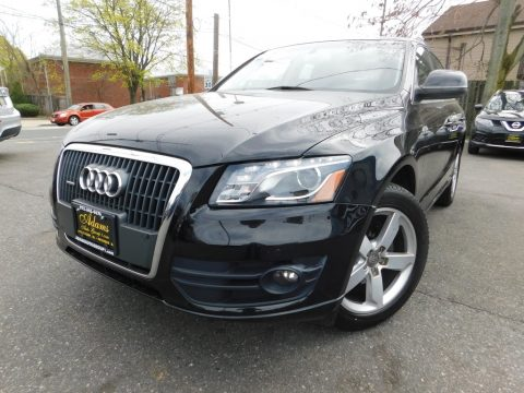 Brilliant Black Audi Q5 2.0 TFSI quattro.  Click to enlarge.