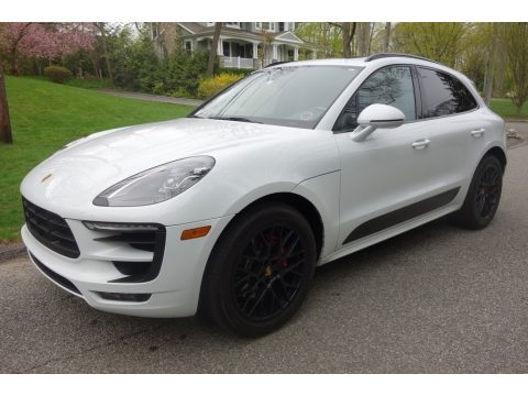 Carrara White Metallic Porsche Macan GTS.  Click to enlarge.