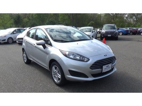 Ingot Silver Ford Fiesta SE Hatchback.  Click to enlarge.