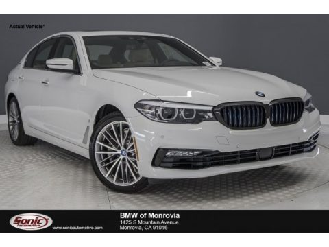 Alpine White BMW 5 Series 530e iPerfomance Sedan.  Click to enlarge.