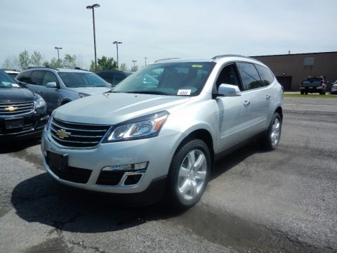 Silver Ice Metallic Chevrolet Traverse LT AWD.  Click to enlarge.