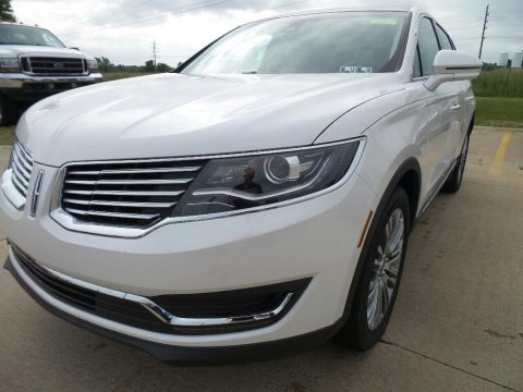 White Platinum Lincoln MKX Reserve AWD.  Click to enlarge.