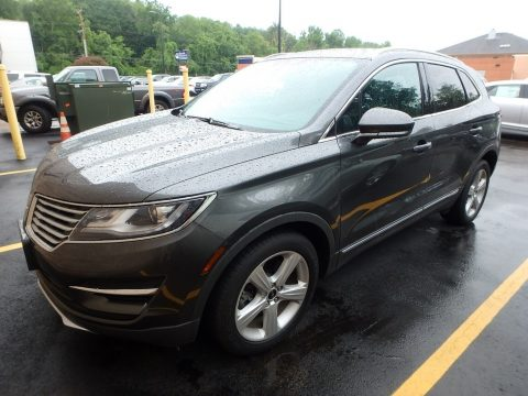 Magnetic Lincoln MKC Premier.  Click to enlarge.