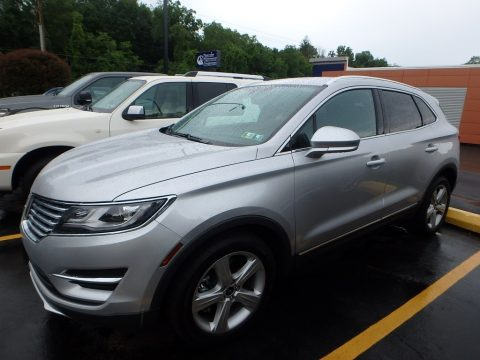Ingot Silver Lincoln MKC Premier.  Click to enlarge.