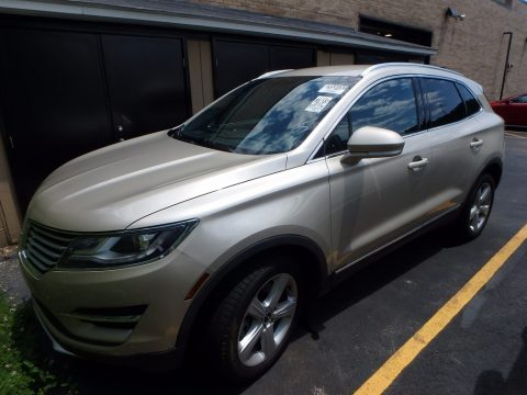 White Gold Lincoln MKC Premier AWD.  Click to enlarge.