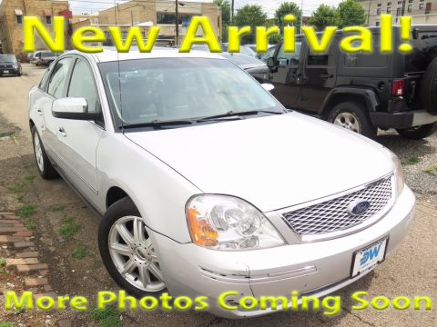 Silver Frost Metallic Ford Five Hundred Limited.  Click to enlarge.